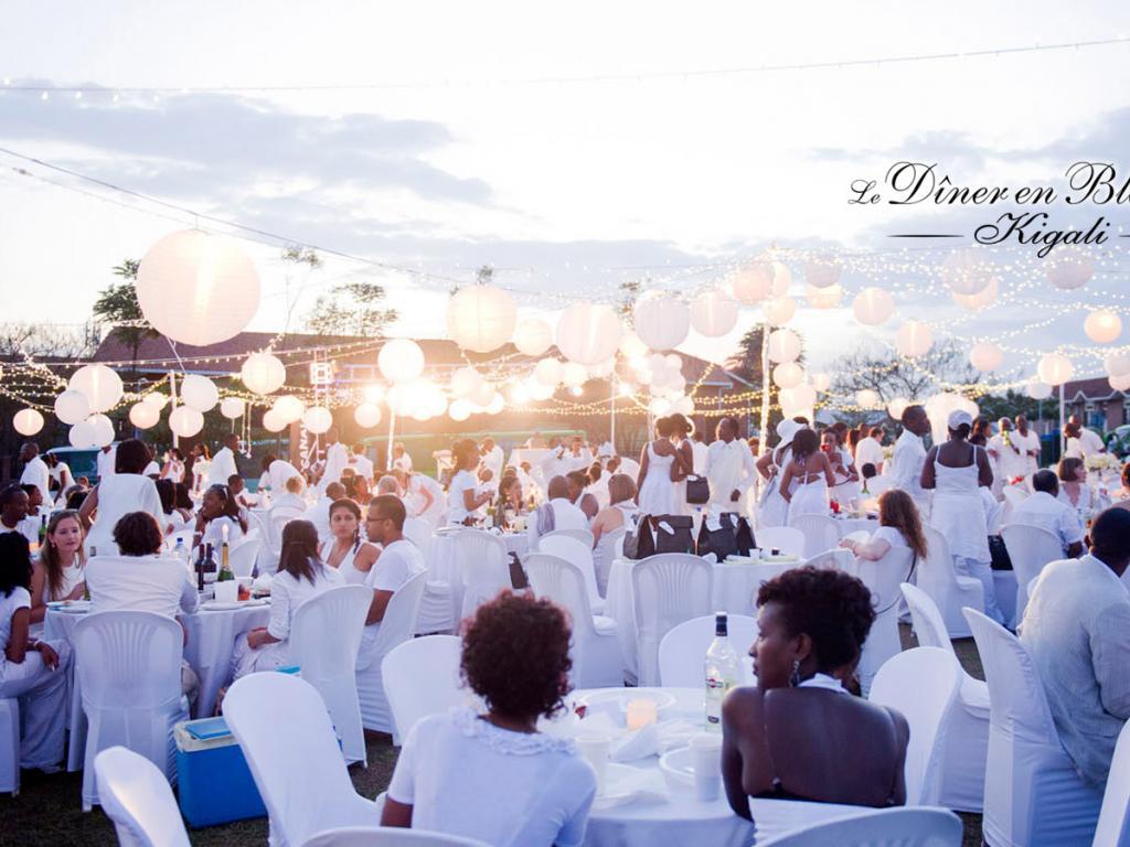Ruanda, Kigali, White Dinner