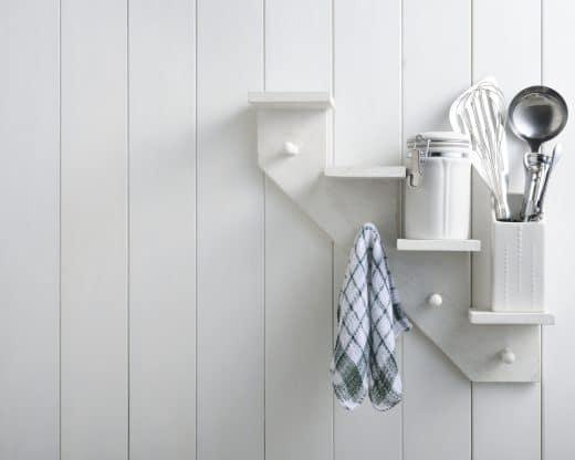 Weiße Holzwand Küche, Die Wand in der Küche