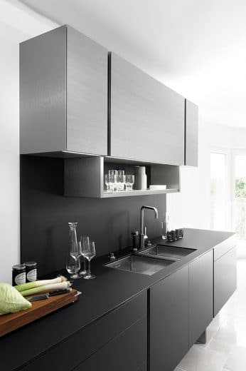 Die 2. Porsche-Poggenpohl-Küchenkreation für den Mann in der Küche: Schnittig, kühl, minimalistisch. (Foto: Poggenpohl)