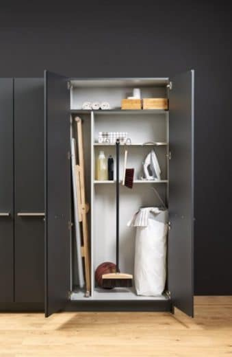 Foto: designlines.de, Leicht Hauswirtschaftsschrank MOW