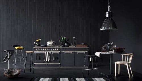Akzente setzen mit Schwarztönen: gelingt mit der Steel Ascot von Steel Cucine in Anthrazit. Unheimlich gut. (Foto: steelcucine)