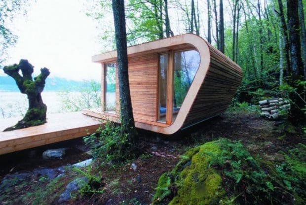 Das Haus am See: Tommie Wilhelmsen hat im norwegischen Hardangerfjorden ein kleines, aber feines Modulhaus entworfen. (Hytte Hardanger, 2003)