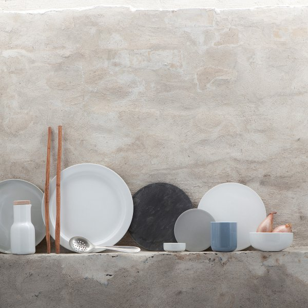 Großer Teller, kleiner Teller, schwarz, weiß, grün, blau: Die neue Norm ist wohl der Nonkonformismus. (Foto: design3000)
