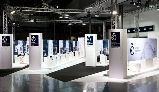 Die nominierten sowie ausgezeichneten Designprodukte werden, wie hier 2012, in einer großen Halle medienwirksam der Öffentlichkeit präsentiert. Ebenfalls ein großes Marketingplus für die jeweiligen Firmen.