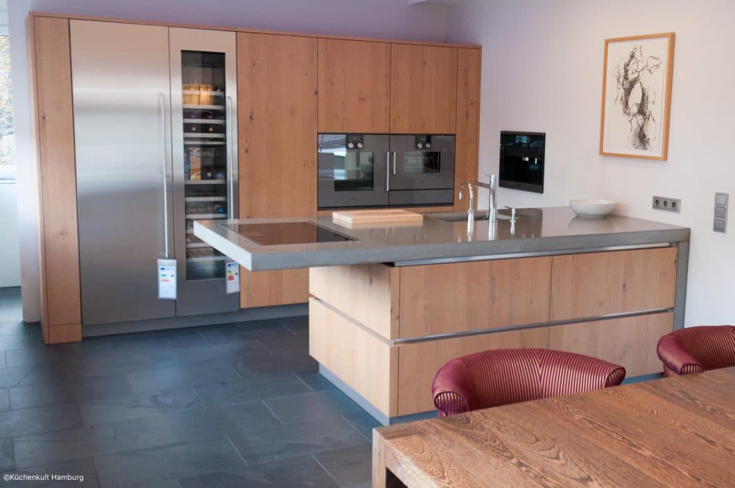 GroB Holz, Beton Und Edelstahl: Eine Moderne Küche