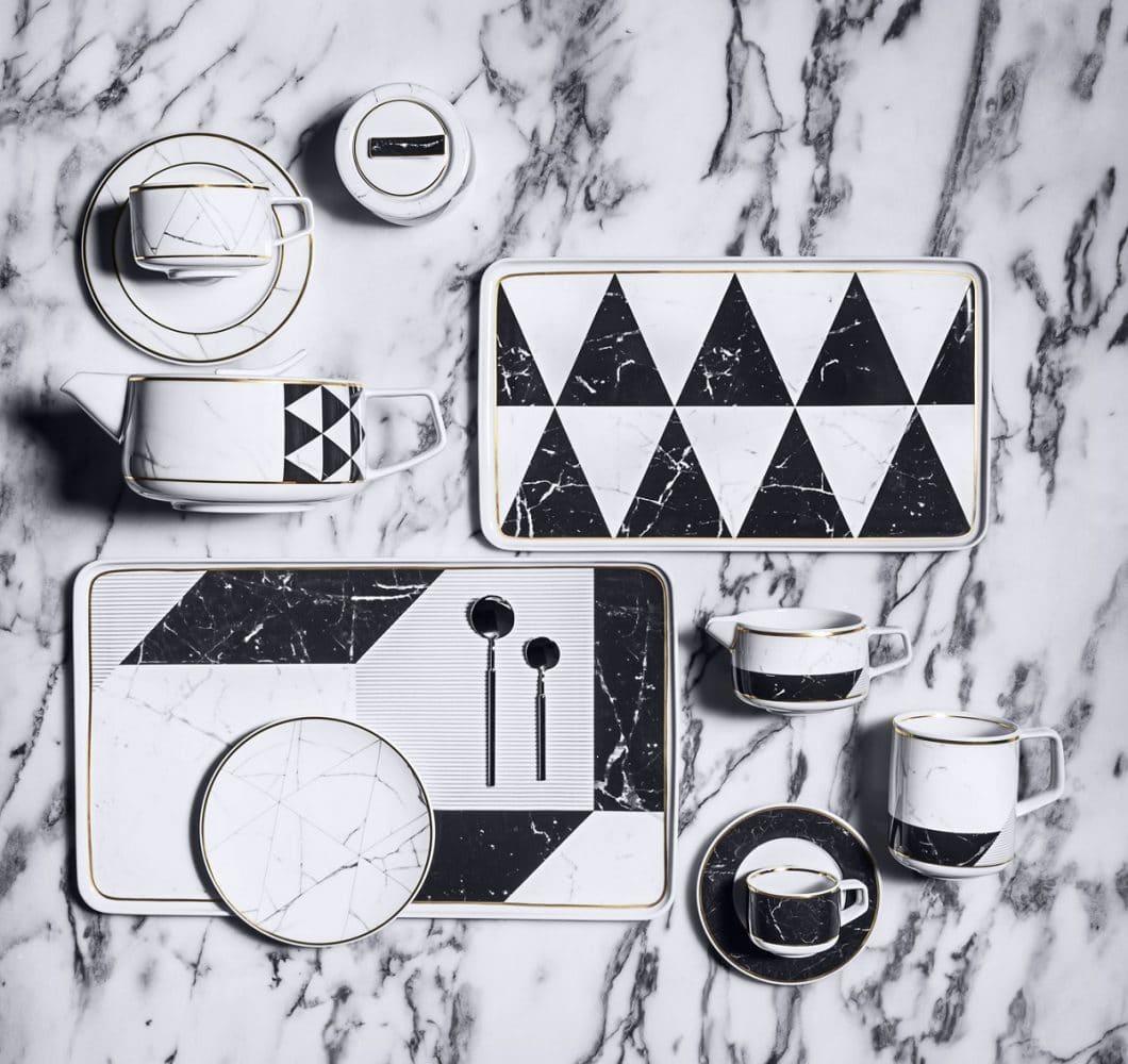 Das Carrara-Porzellan-Set von Vista Alegre: Porzellan in seiner schönsten Form - inspiriert von Marmor. (Foto: residencesdecoration)