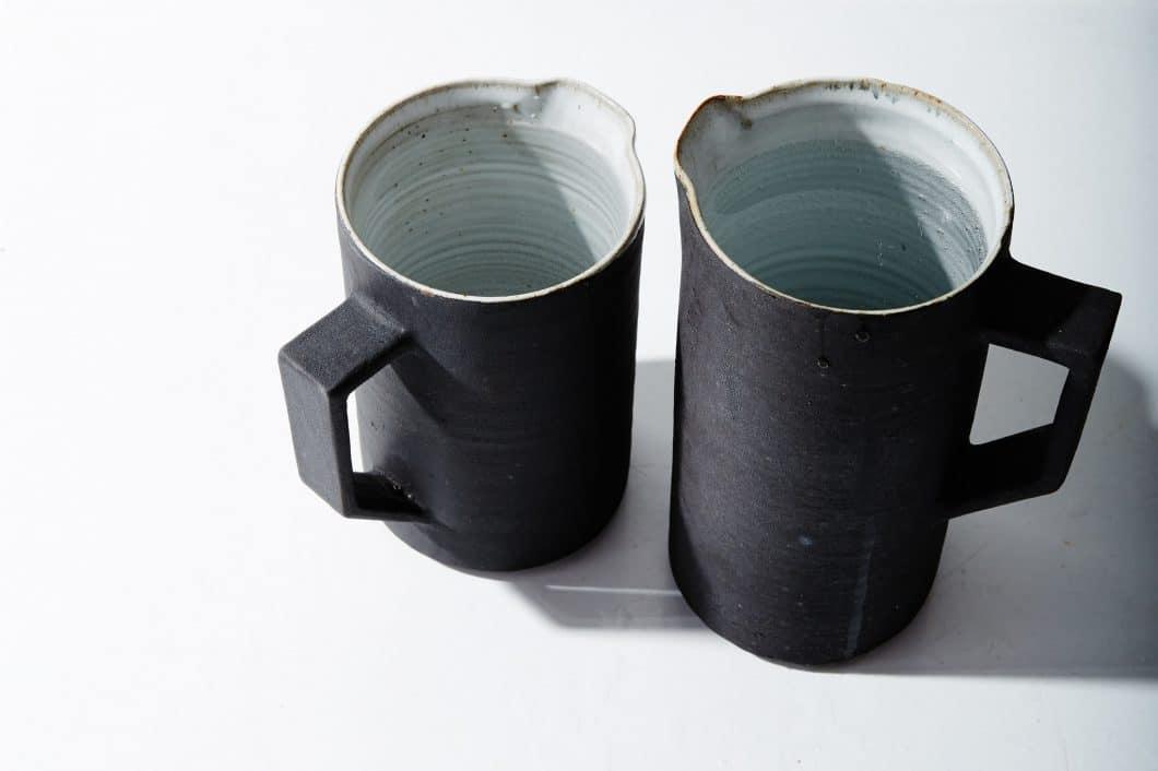 Nikole und Lance Herriott haben sich für ihr Geschäft mittlerweile mit lokalen Keramikern zusammengetan: Patrick Yeung hat z.B. diesen Stone Pitcher aus gebrannter Asche und Stein gebrannt. ca. 64 USD (Foto: Herriott Grace)