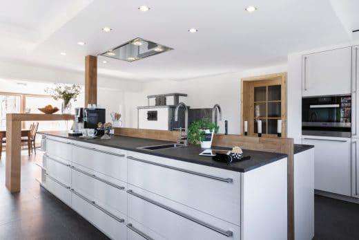 Gemeinsam Kochen Dank Gegenüberliegenden Küchenblöcken: Eine Smarte Idee  Von Leicht Küchen. (Foto