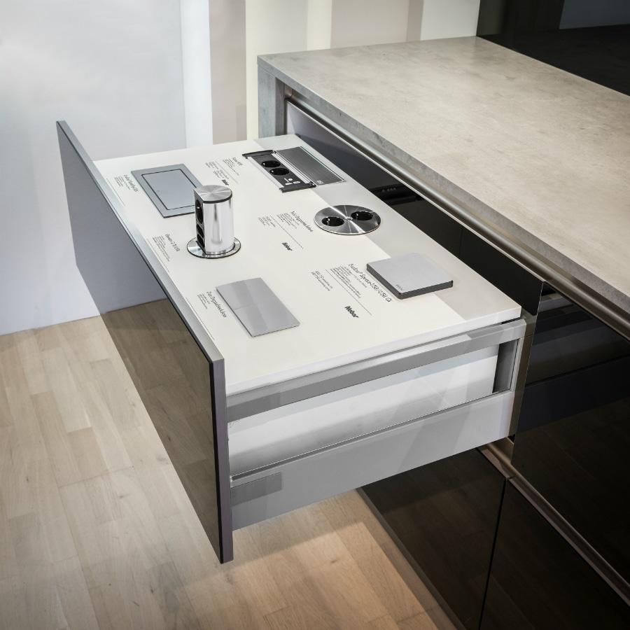Schalter und Steckdosen verstecken - KüchenDesignMagazin ...
