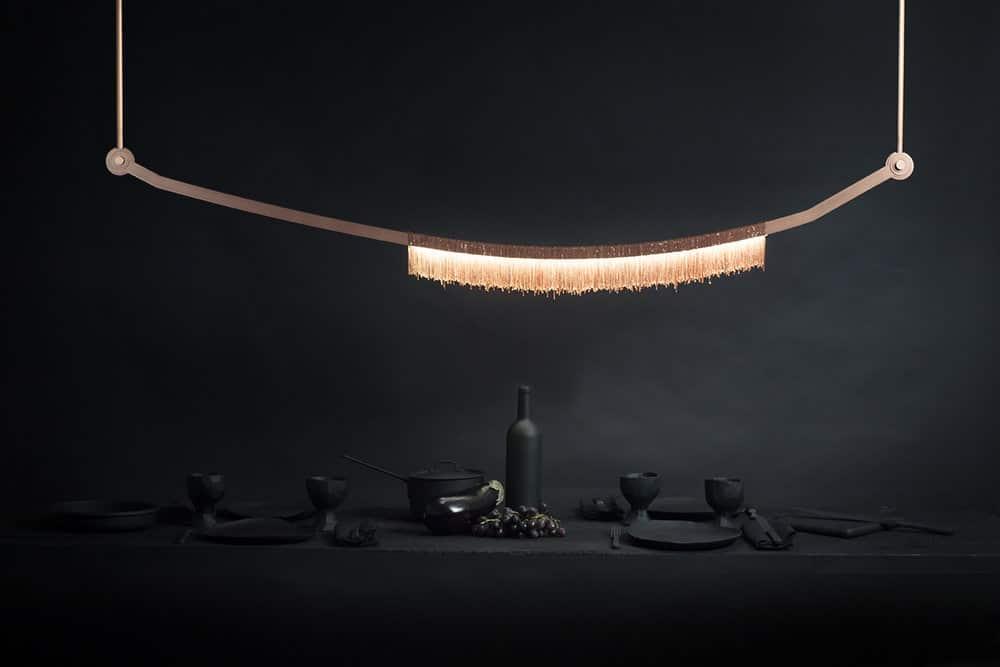 """Diese wunderbar grazile Leuchte """"Liane"""" des kanadischen Unternehmens Larose Guyon verbreitet eine stilvolle, mystische Atmosphäre - für schlappe $7,800. (Foto: Larose Guyon)"""