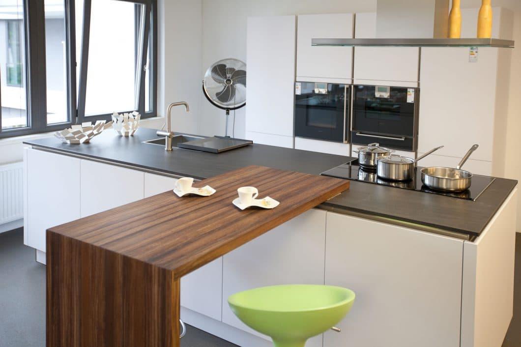 Küchenzeile Mit Tresen