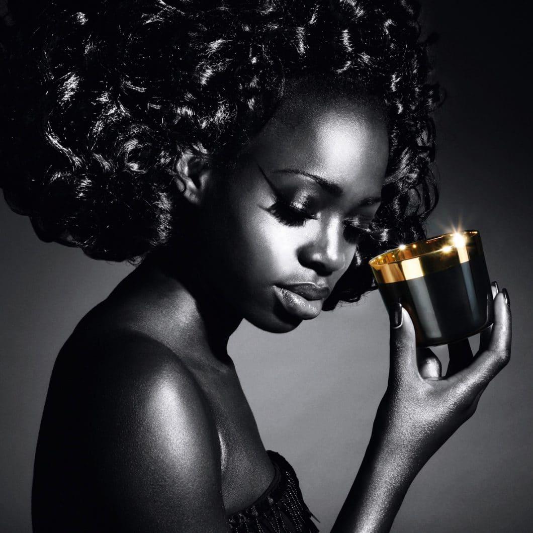 SIP OF GOLD ist pure Verführung: Der Champagnerbecher ist innen mit 24-karätigem Gold besetzt. (Foto: SIEGER by Fürstenberg)
