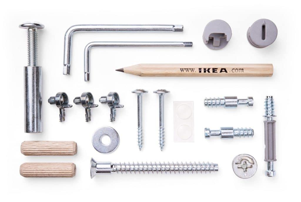 Typisches IKEA-Bild: wer nicht zusätzlich für eine professionelle Küchen-Montage bezahlt - darf (oder muss) selber ran. (Foto: stock)