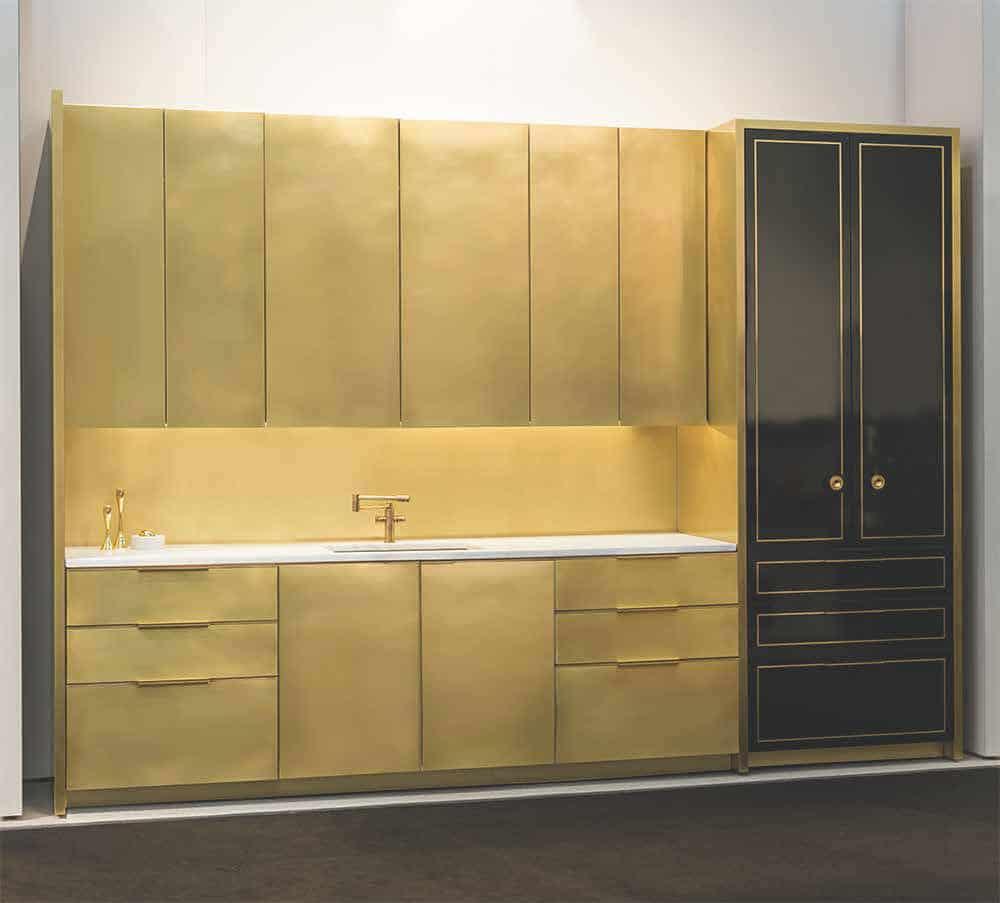 die brass kitchen warmer goldglanz einer messing k che k chendesignmagazin lassen sie sich. Black Bedroom Furniture Sets. Home Design Ideas