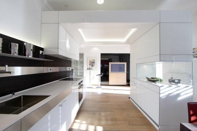 Rapsch OHG, kunstvolle weiße Designküche