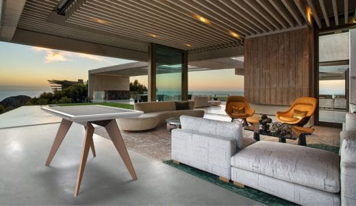 Der D-Table kann als Esstisch oder als virtuelle Tischtennisplatte gleichermaßen genutzt werden. (Foto: kueche und architektur)