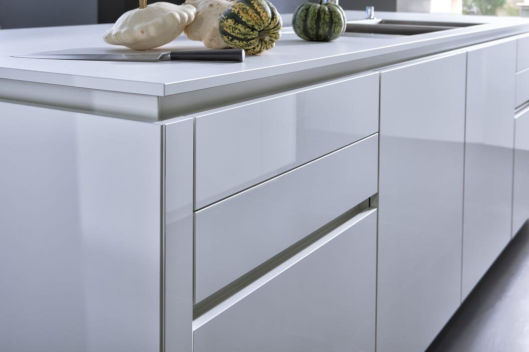 Küchen-Fronten aus Kunststoff: Nur eine ist gut genug ...