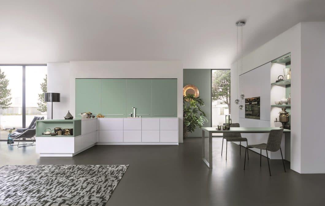 LEICHT schafft wunderschöne, farbige Küchenräume - dank der exklusiven, fruchtbaren Kooperation mit dem Team von Le Corbusier. (Foto: LEICHT)