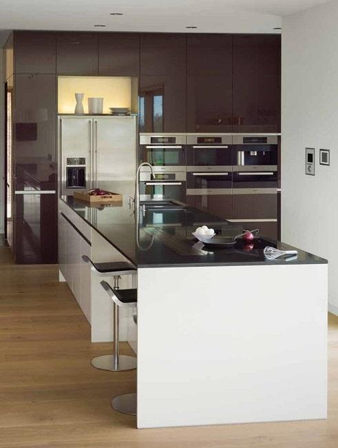 Wer hier sitzt darf sicher nicht nur beim kochen zuschauen sondern auch mal naschen küche dross schaffer warngau foto selektiond
