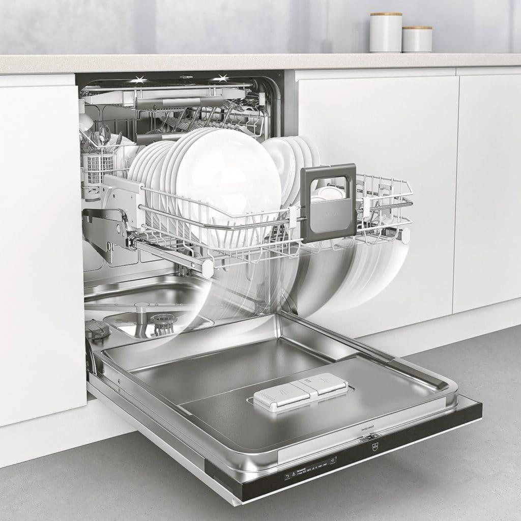 Kochen mit Dampf ist bekannt. Aber Spülen mit Dampf? V-ZUG setzt es für eine Reinigung ein, die das Geschirr frei von Rückständen hinterlässt. (Foto: V-ZUG)