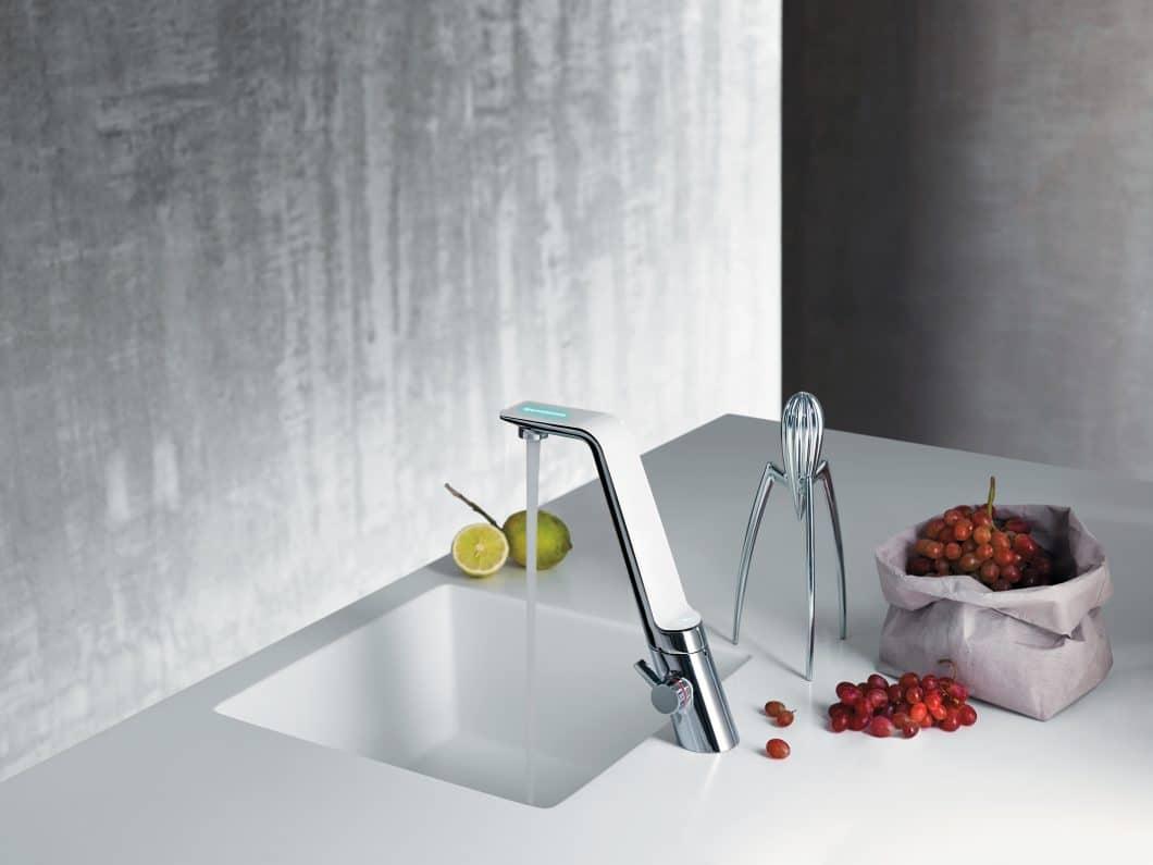 ALESSI Sense ist eine sinnliche Küchenarmatur mit Touch-Funktion. (Foto: HANSA)