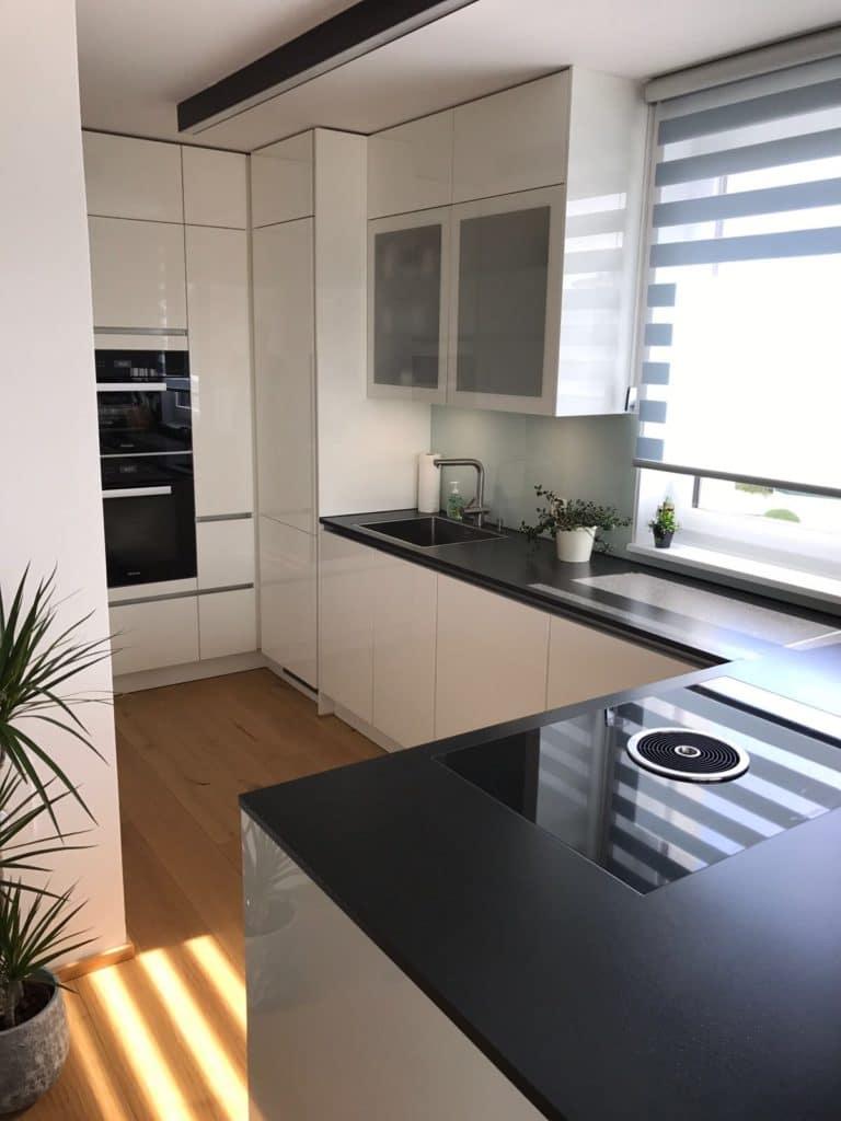 Küche Schwarze Arbeitsplatte weiße küche mit schwarzer arbeitsplatte küchendesignmagazin lassen