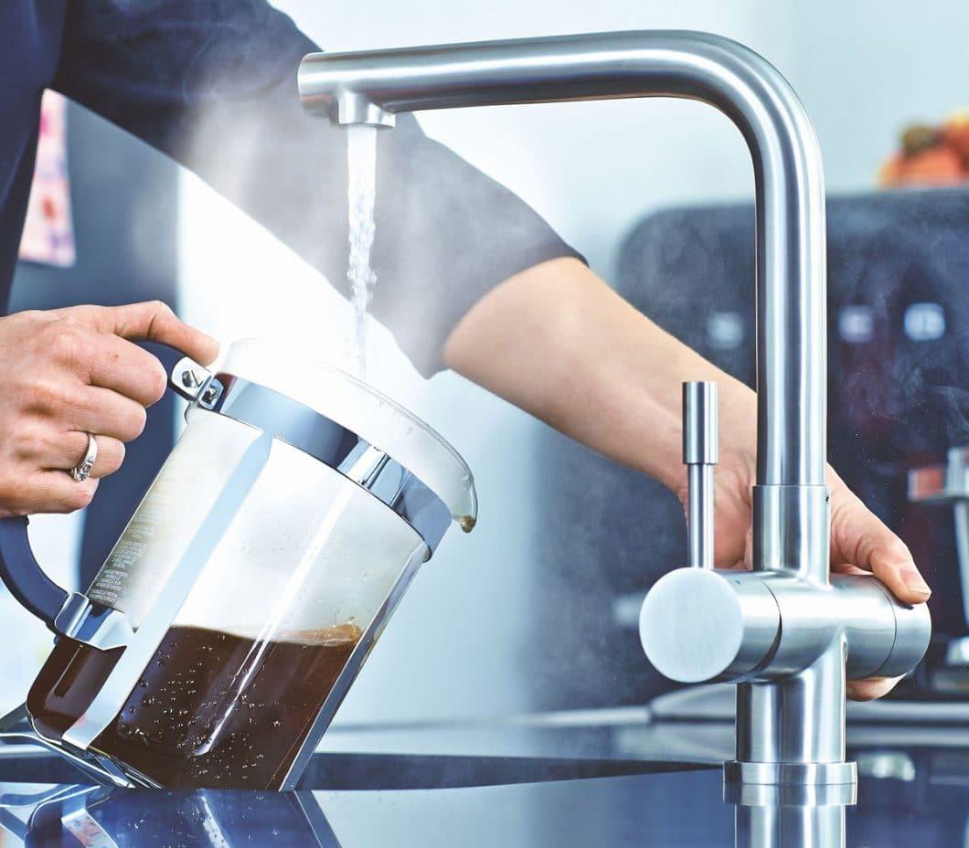 Mit Mondial bringt Franke eine Heißwasserarmatur auf den Markt, die - ähnlich dem Quooker - kochend heißes Wasser auf Knopfdruck bereitstellt. (Foto: house4kitchen)