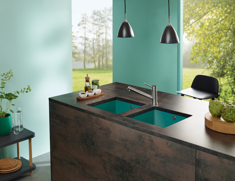 Bringen Sie Farbe in Ihr Leben: Mit den neuen Küchenspülen von Villeroy & Boch, die nach den Farben der Jahreszeiten ausgewählt wurden. (Foto: Villeroy & Boch)