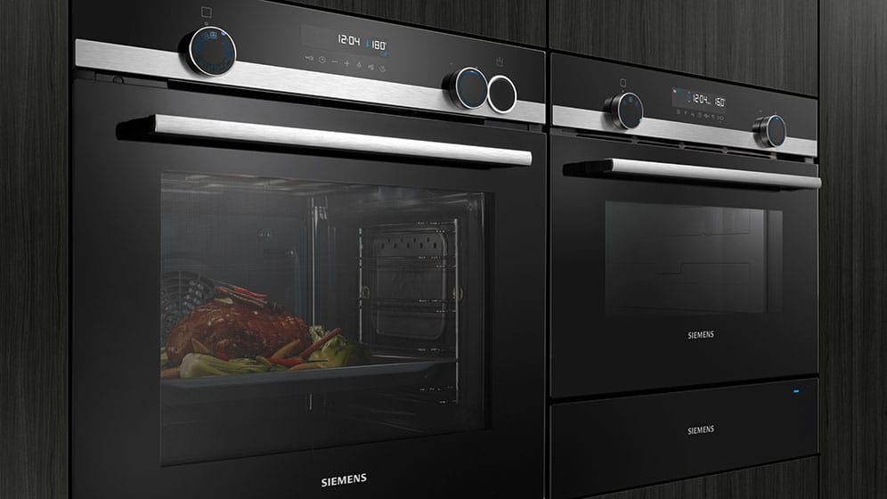 """Der iQ500 peilt nicht nur Schnellkocher mit seiner """"Schnellaufheizung"""" an, sondern dank seiner exquisiten Funktionen auch semi-professionelle Hobbyköche und Gourmets. (Foto: Siemens Hausgeräte)"""
