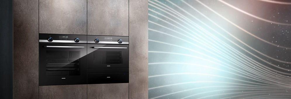 """Nach Vorstellung der """"studioLine"""" im """"blackSteel""""-Design setzt nun auch die remodellierte iQ500-Backofenserie auf Design und hohen technischen Komfort. (Foto: Siemens Hausgeräte)"""