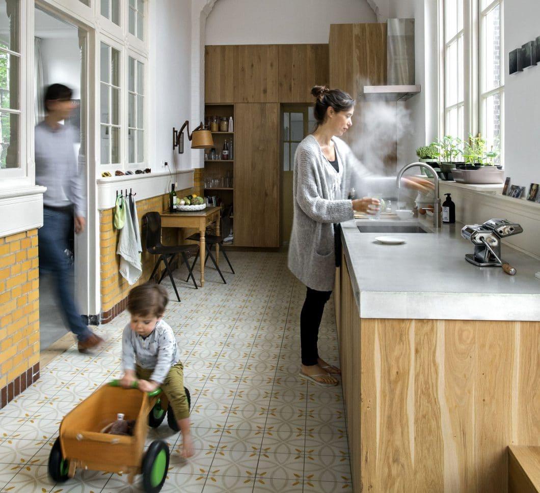 Anfängliche Bedenken konnte das Unternehmen schnell zerstreuen: Der Quooker ist nicht nur energie- und wassersparend, sondern auch kindersicher. (Foto: Quooker)