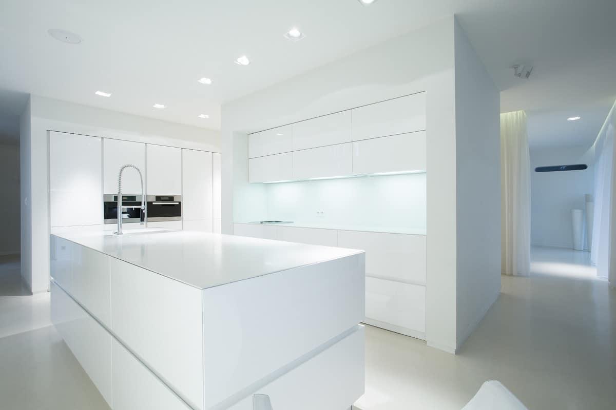 minimalistische weiße küchen - küchendesignmagazin-lassen