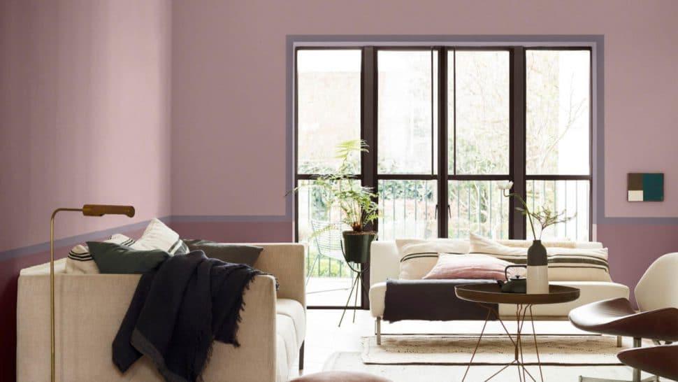 """Pantone-Konkurrent Dulux ruft """"Heart Wood"""" als Farbe des Jahres 2018 aus. Das sanfte Grau-Rosa erinnert an ein helles Flieder und geht damit im Farbkreis mit Pantone einher, kann jedoch viel besser kombiniert werden. (Foto: Dulux)"""
