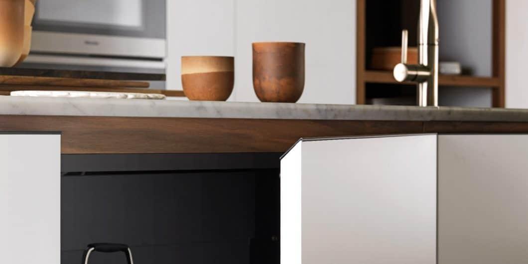 Um die Optik einer grifflosen Küche zu simulieren, aber die Annehmlichkeiten einer Küche mit Griffen zu nutzen, hat Valcucine sich beim Modell Forma Mentis für abgeschrägte Griffleisten entschieden. (Foto: Valcucine)