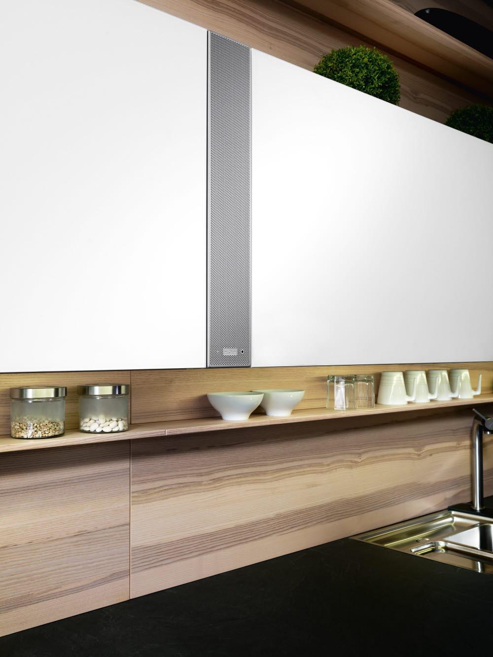 Das Soundmodul von ewe ist eine beeindruckende Erweiterung des Küchenraums: Es lässt sich mit Smartphone oder Tablet verbinden und sorgt mit der Wunschmusik für Spaß beim Kochen und Wohnen. (Foto: ewe)