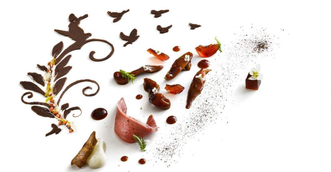 """Miele setzt seine Partnerschaft zusätzlich mit Veranstaltungen wie den #50BestTalks, Asias 50 Best Restaurants oder Latin America's 50 Best Restaurants fort. Zudem bietet das Unternehmen mit dem """"Miele One To Watch""""-Award Nachwuchsköchen ein Sprungbrett in die Top-50-Liste. (Foto: Joan Roca/ Miele)"""