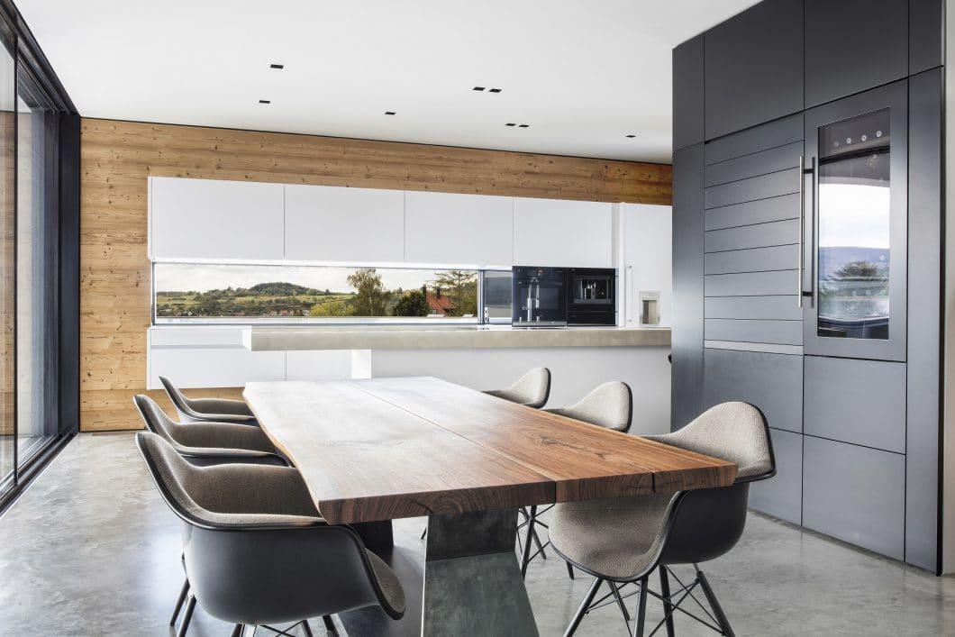 Die Küchenplanung von Küchenkunst Einbaukunst errang im LEICHT-Wettbewerb den 1. Platz national und den 2. Platz weltweit. (Foto: Küchenkunst Einbaukunst)