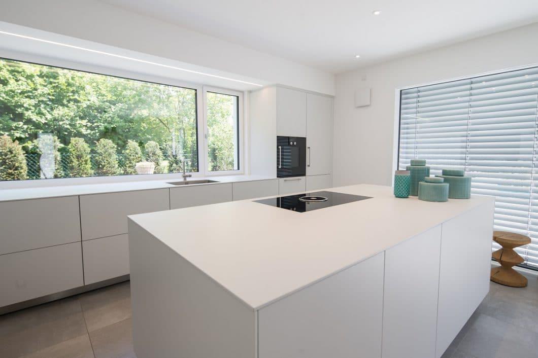 Mit bulthaup, LEICHT, häcker und selektionD bietet Dross Ingolstadt seinen Kunden eine Varianz vielfältiger Küchenmodelle an, die individuell zu wunderschönen Küchenräumen designt werden. (Foto: Dross Ingolstadt)
