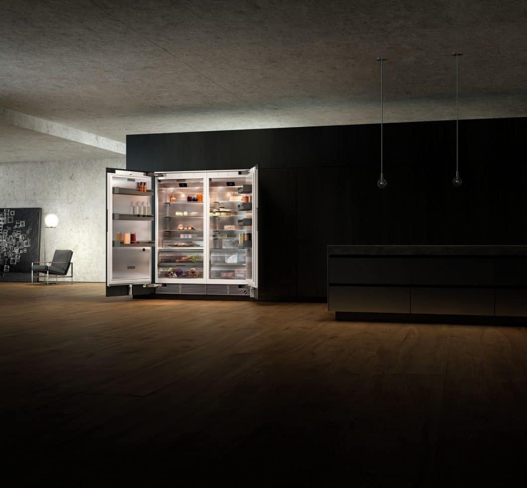 Die neue Gaggenau Vario Kühlgeräte-Serie 400, die auf der Eurocucina 2018 in Mailand vorgestellt wird, ist ästhetischer und exklusiver denn je. Mehr Design, mehr Technik, mehr Statement. (Foto: Gaggenau Hausgeräte)