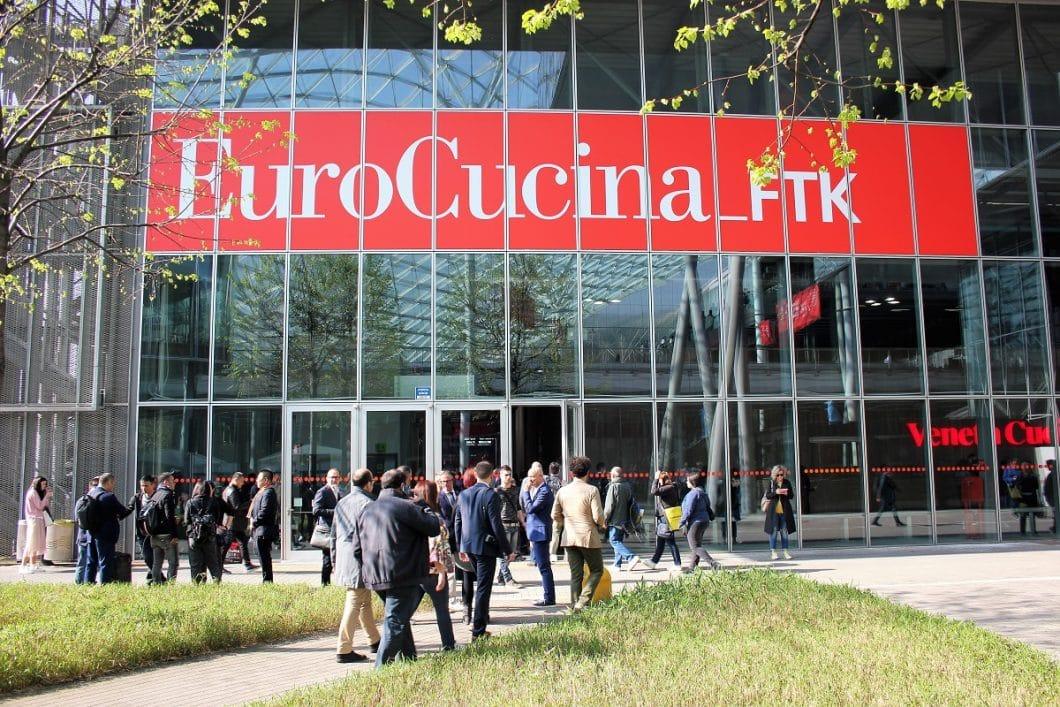 Nicht nur gutes Wetter, sondern auch tausende Besucher strömen diese Woche nach Mailand: Sie alle wollen der EuroCucina 2018 beiwohnen und die Küchentrends für 2018 und 2019 erhaschen. (Foto: Susanne Scheffer)