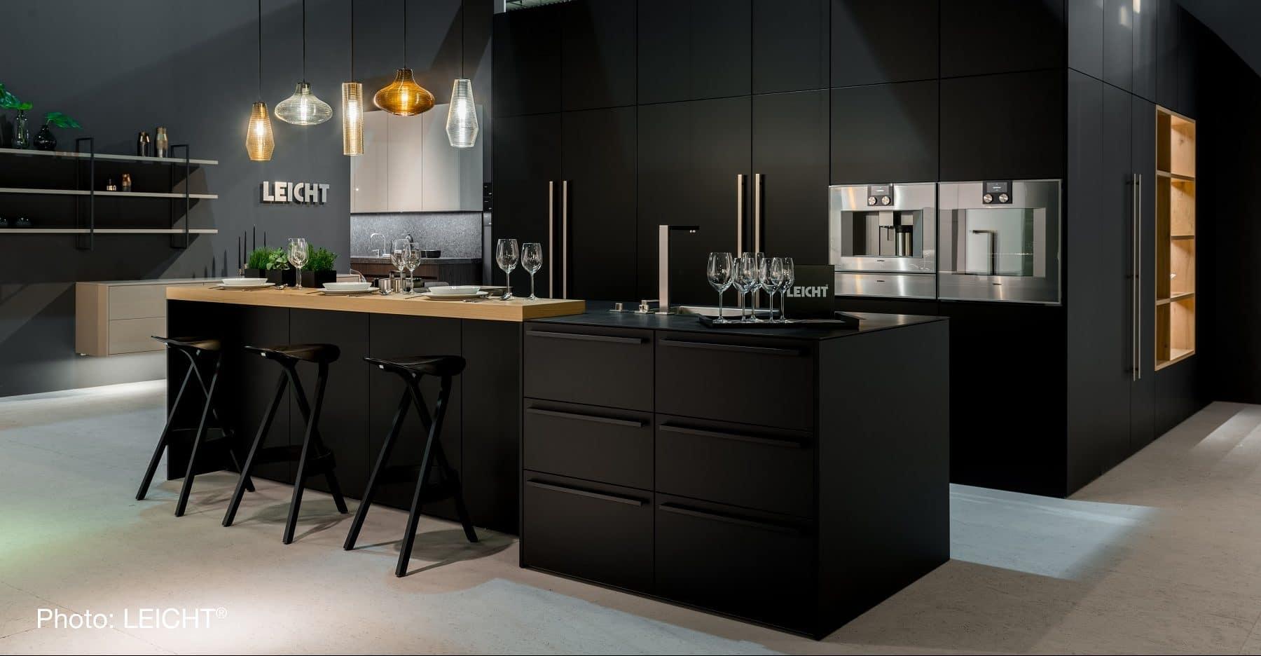 Großartig Küchendesign Mit Schwarz Geräte Zeitgenössisch - Küche Set ...
