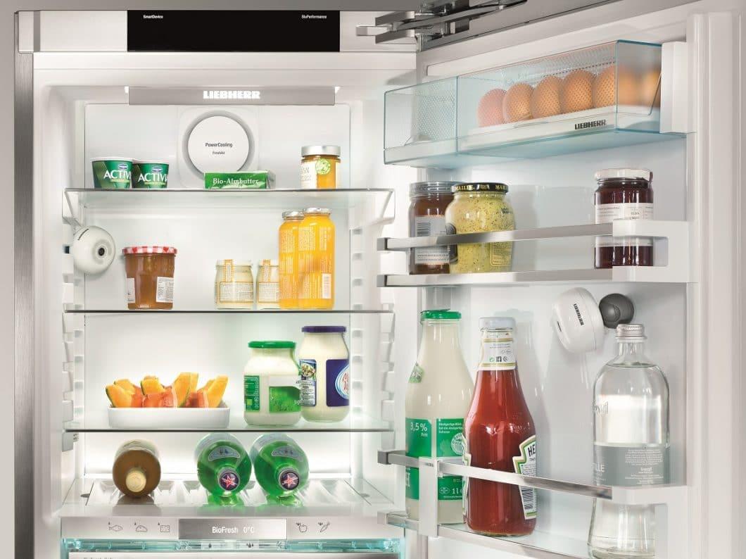 Bereits auf der IFA 2017 stellte Liebherr seine FridgeCam™ vor: Damit lässt sich der Kühlschrankinhalt von unterwegs per Foto einsehen. (Foto: Liebherr)