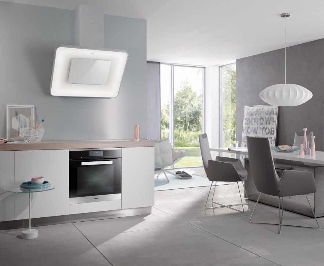 Miele geht eine Kooperation mit Netatmo ein, die den Healthy Home Coach produzieren: Gemeinsam wollen beide Firmen für frische Luft in der Küche sorgen. (Foto: Miele)
