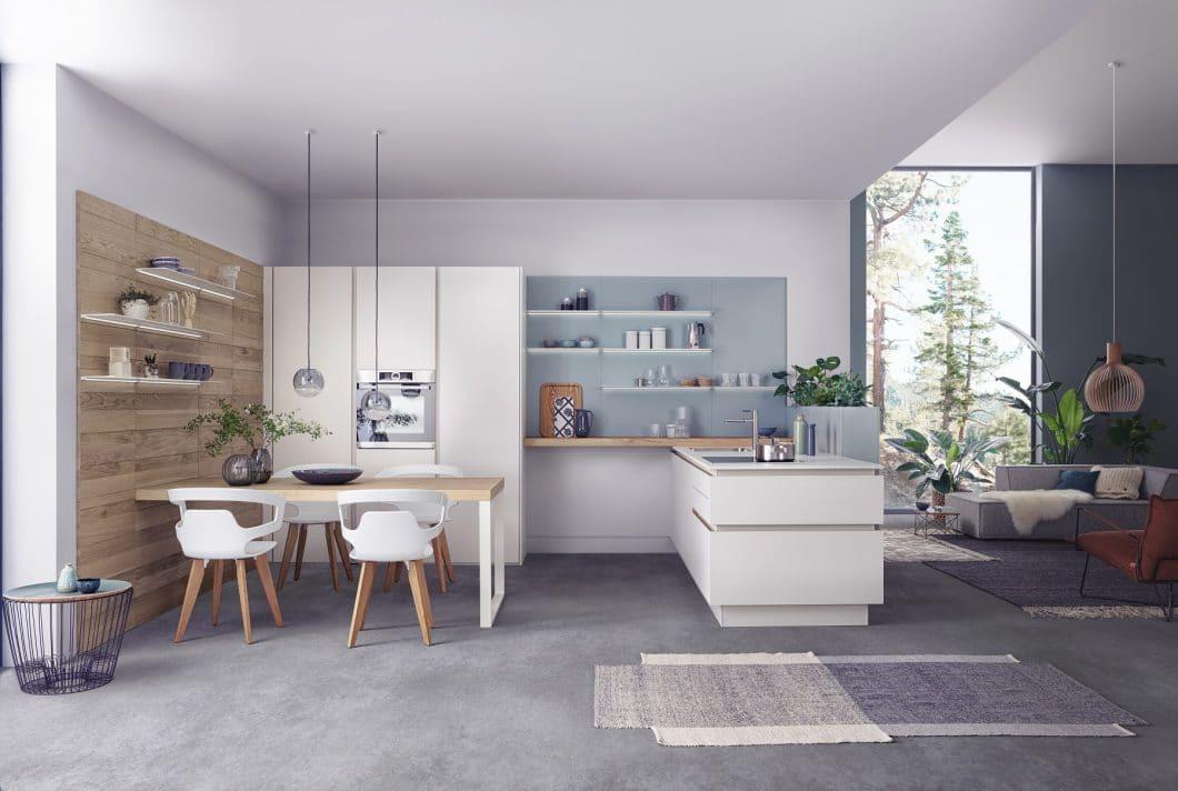 Das neue LEICHT-Programm Solid überzeugt mit minimalistischen Fronten und hochwertigen Echtholz-Elementen. (Foto: LEICHT)