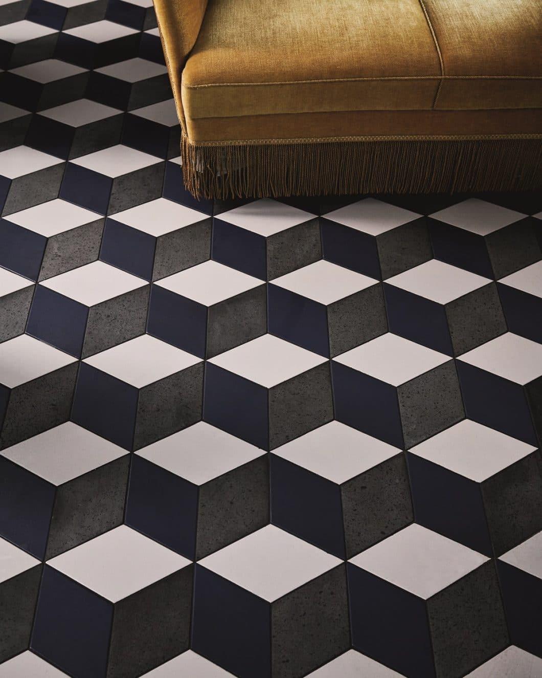 Ein farblich zurückhaltend eingerichteter (Küchen-)Raum kommt mit den richtigen Fliesen und Kacheln exzeptionell zur Geltung. Mut zum Muster! (Foto: File Under Pop)