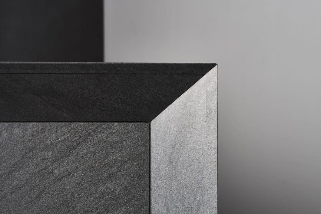 Bis zu 800 Millionen Jahre alte Steine werden für unique verarbeitet. Dazu zählen (hier abgebildet) Quarzite, Granite, Marmor, Kalkstein und Porphyr. (Foto: eggersmann/ Michael Brinkjost)