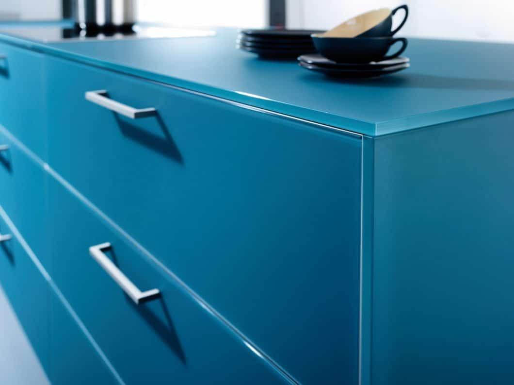 Arbeitsplatten avancieren zum gefragtesten Objekt in der Küche, weil sie die Funktionalität und auch das Design des Küchenraumes nachhaltig prägen. Was haben LEICHT, bulthaup & Co. dazu im Angebot? (Foto: LEICHT)