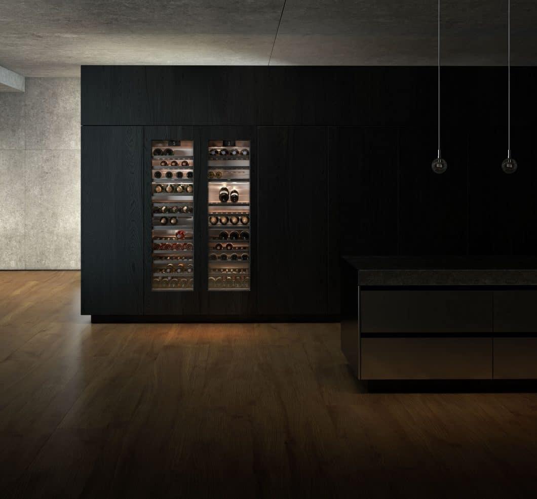 Sanftes, blendfreies LED-Licht sorgt für stimmungsvolles Hintergrundlicht in den Gaggenau-Weinklimaschränken - und zur stilvollen Präsentation hochwertiger Weine. (Foto: Gaggenau)