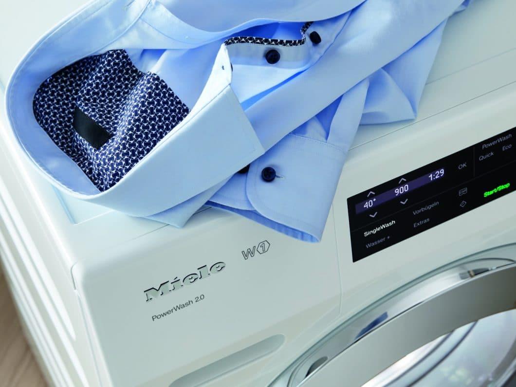 """So geht Waschen heute: mit dem neuen """"SingleWash""""-Programm können künftig auch nur leicht beladene Trommeln gewaschen werden - in kürzerer Zeit und mit weniger Energie. (Foto: Miele)"""
