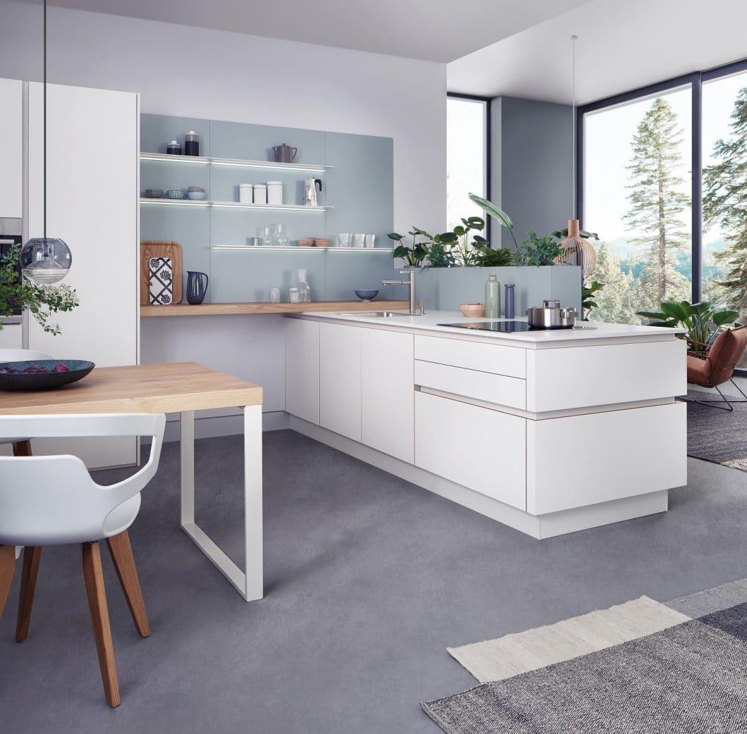 """Mit dem Modell """"Solid"""" stellt LEICHT einen Küchentrend für 2019 vor: Die Farbkombination """"Wooden Yearning"""" sieht helle Oberflächen und Hölzer sowie Pastellfarben vor. (Foto: LEICHT)"""